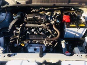 プロボックスのエンジンルーム内画像