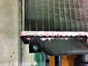 車検ムーブラジエーター水漏れ画像