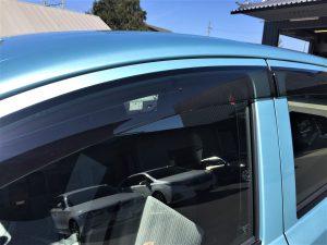 新車リースのミライースのドアバイザー画像