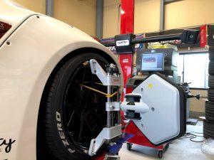 国産車日産R35GT-Rワークス4輪アライメント測定右前画像