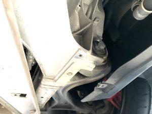 ポルシェパナメーラGTSのフロント4輪アライメント調整カム画像