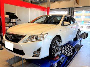 国産車トヨタカムリの4輪アライメント調整