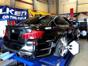 BMW5シリーズF10アライメント調整調整アッパーアームにて交換予定