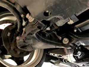 レクサスLX4輪アライメント調整フロント下回り
