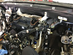 ランドクルーザーのエアコン修理画像